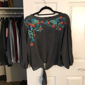 Annabelle Tops - Long-sleeved blouse with floral pattern